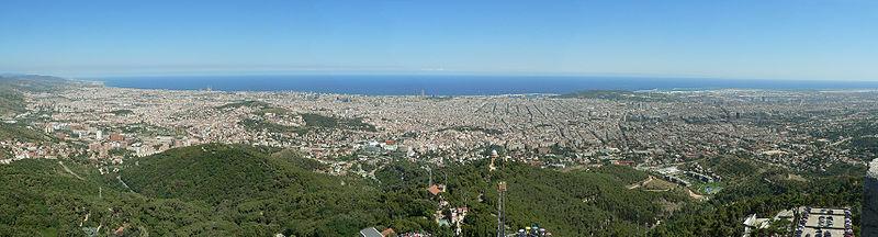 vergezicht Barcelona bij Tibidabo
